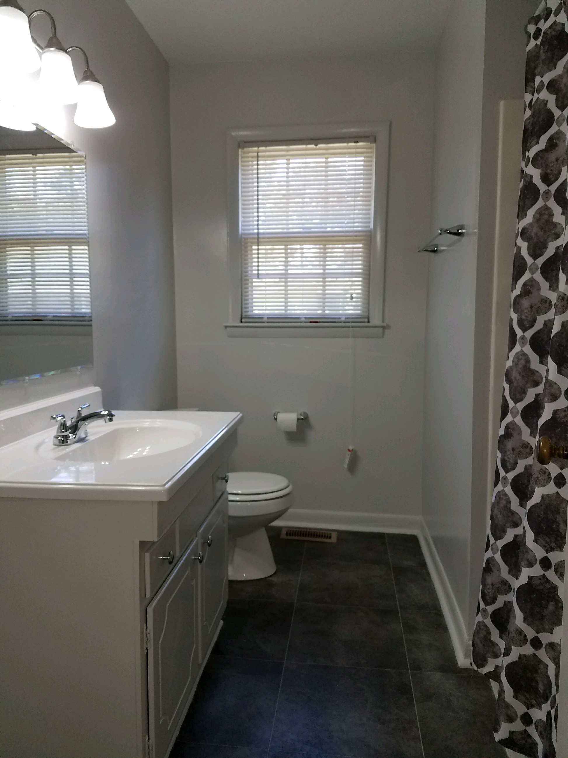HOUSE for RENT at 1610 Diplomat - Guest Bath - DanielsRents.com